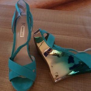 New beautiful wedge sandals size 10